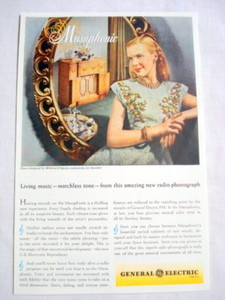 1946 Ad General Electric Musaphonic Radio-Phonograph